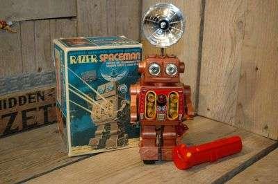Metal House / Horikawa - Razer Spaceman
