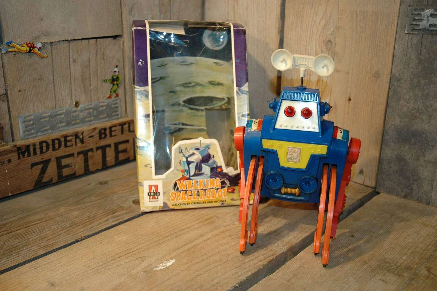 Amico - Walking Space Robot