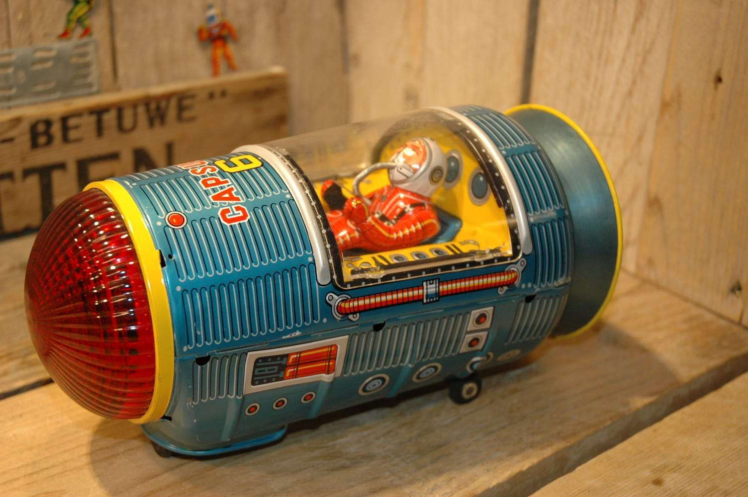 Modern Toys - Space Capsule 6