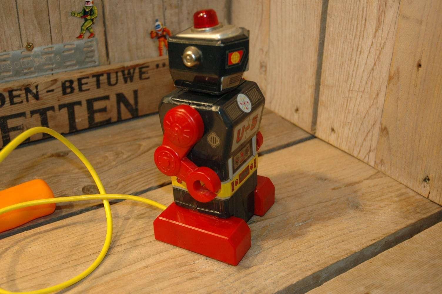 Daiya - U-5 Robot