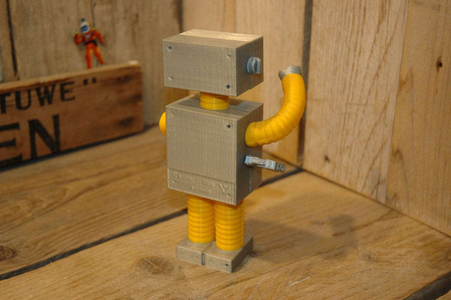 VST - Roboter Emil 3D Printed Yellow Variation