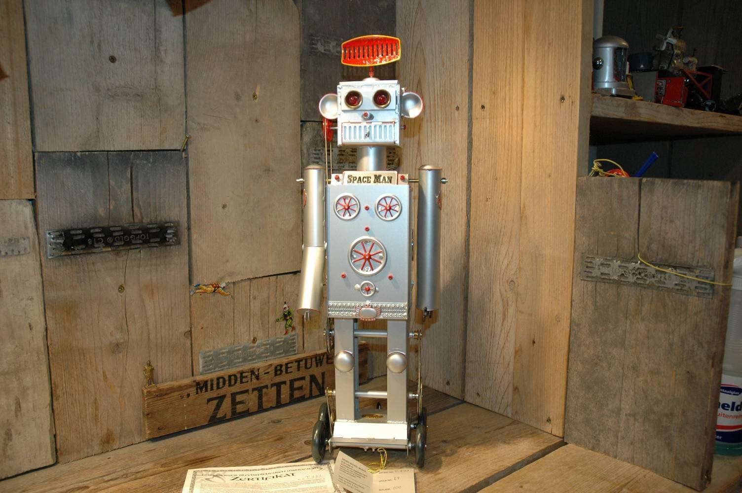 Tucher & Walther - Space Man Robot