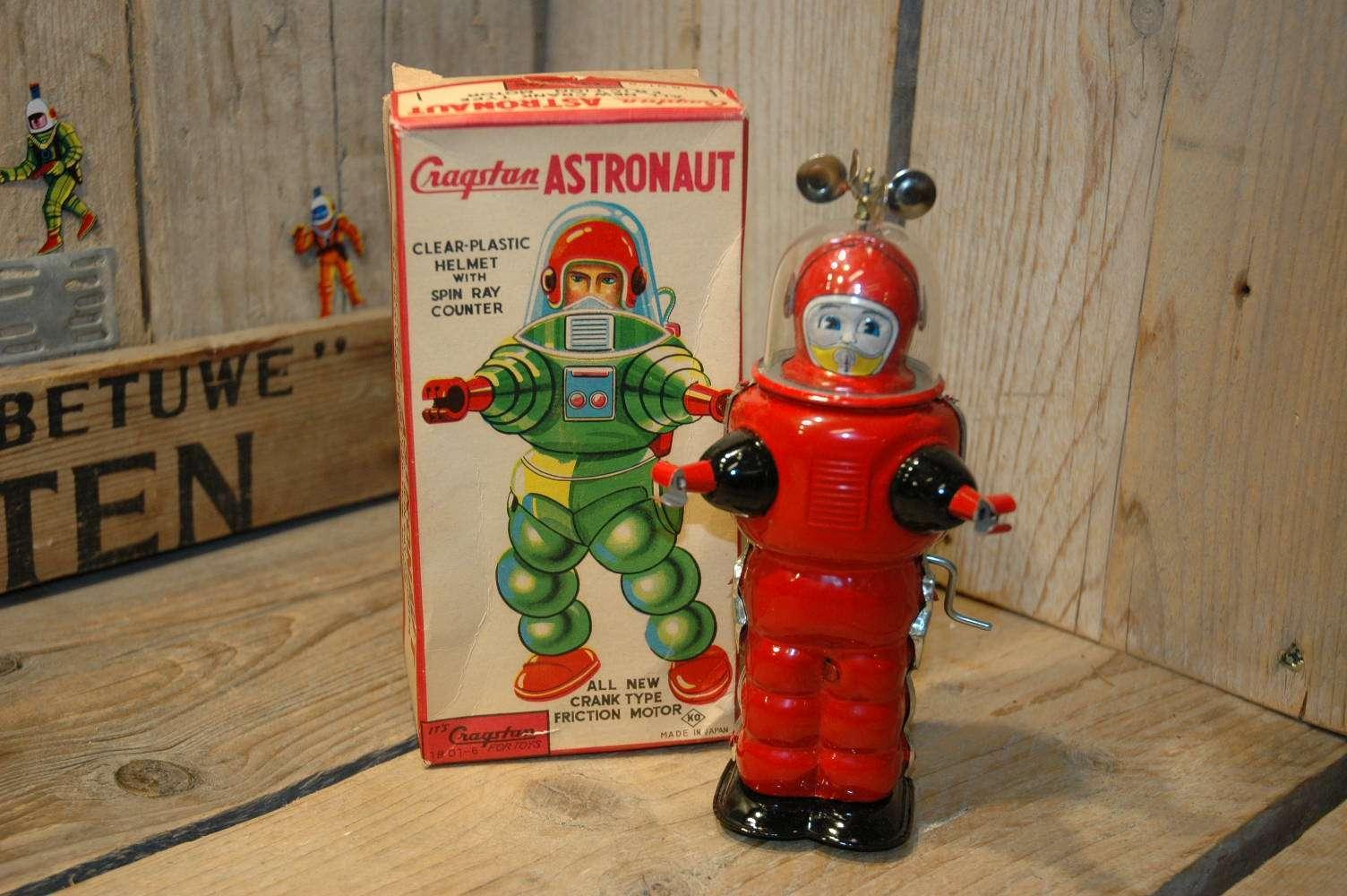 KO Yoshiya - Cragstan Astronaut