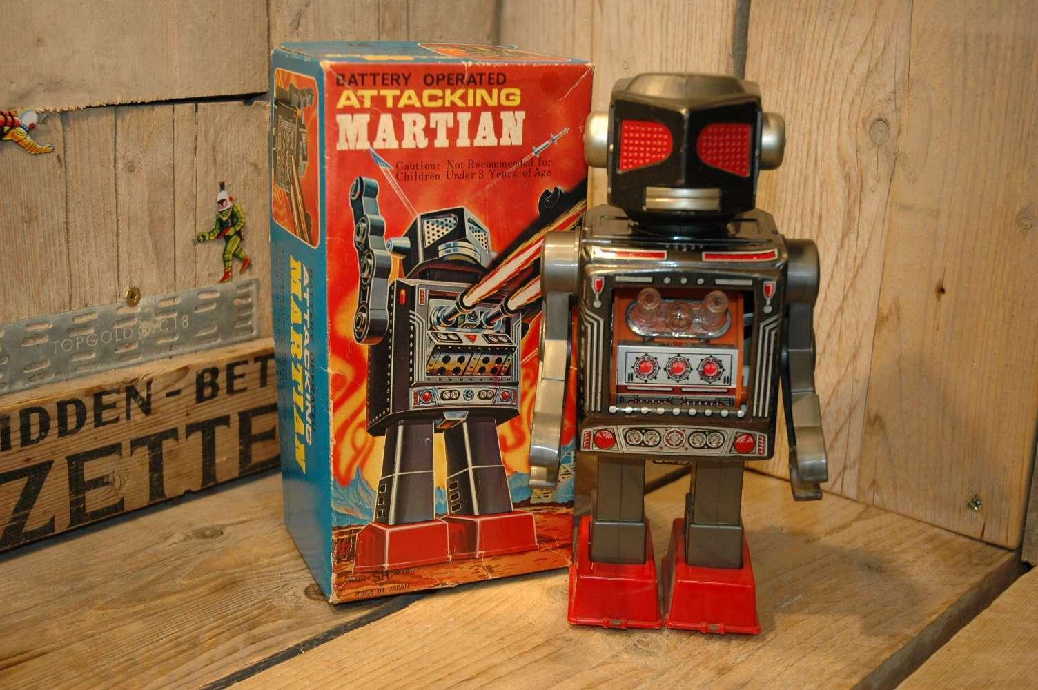Horikawa - Attacking Martian Red Fly Eyes