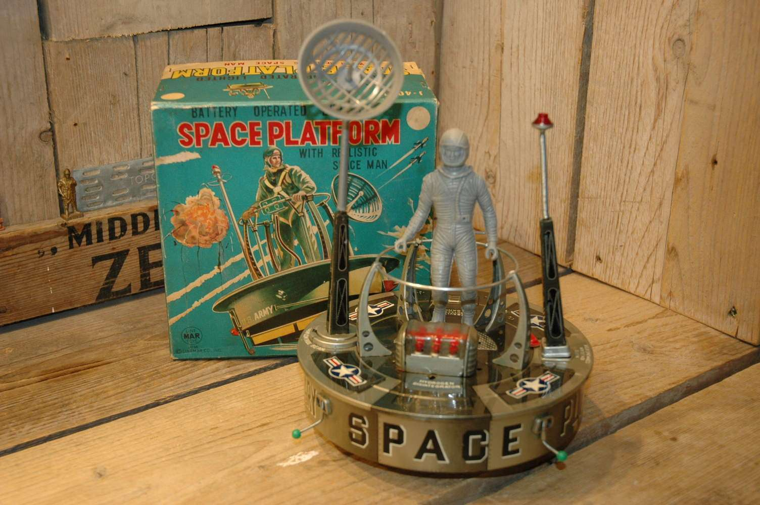 Linemar Toys - Space Platform with Realistic Spaceman