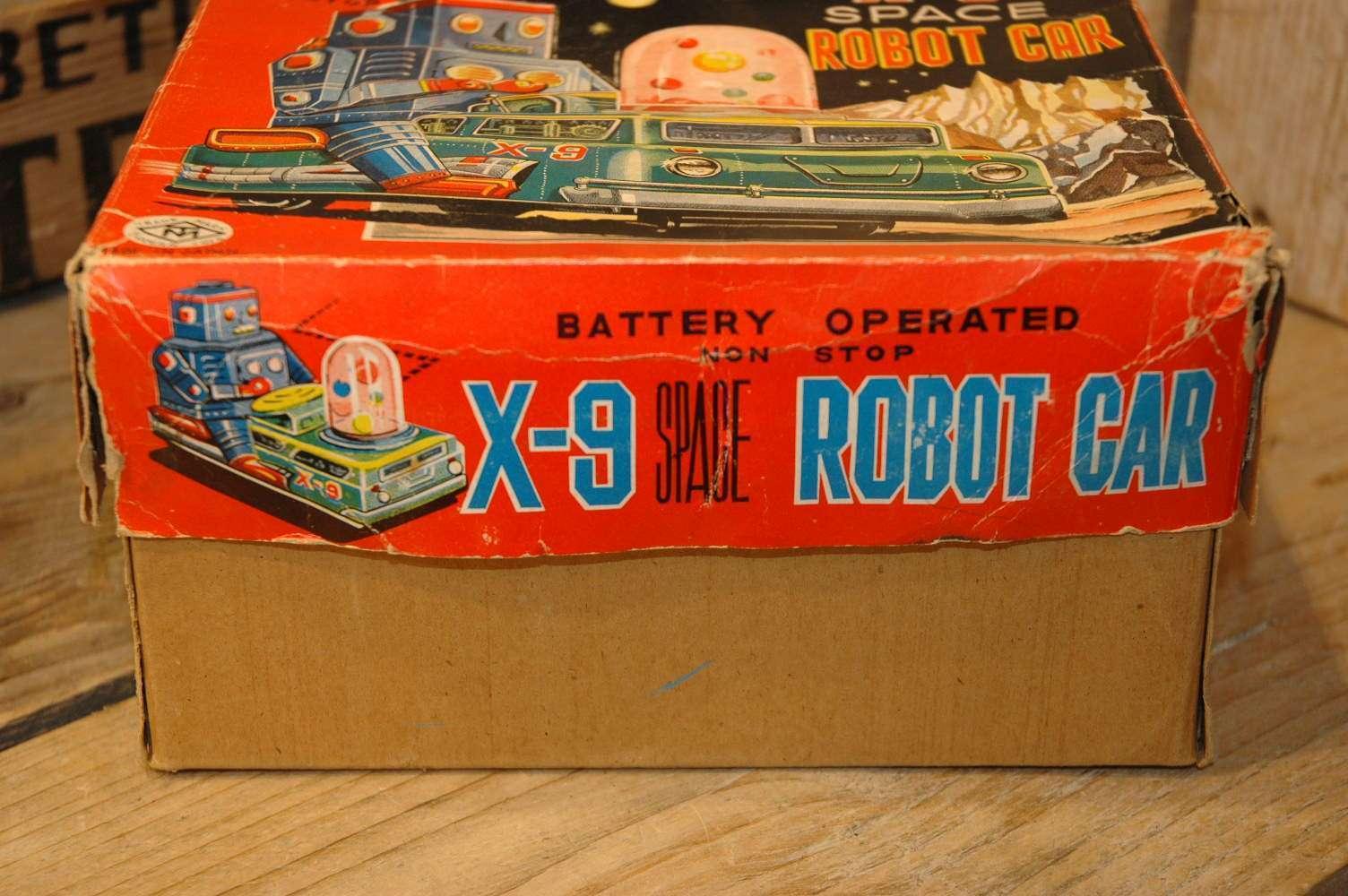 Modern Toys - Robot Car X-9
