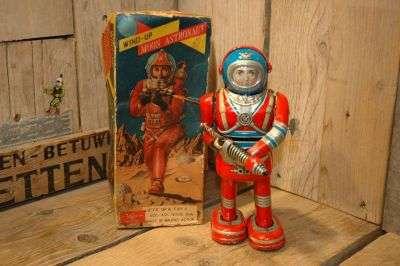 Daiya - Moon Astronaut
