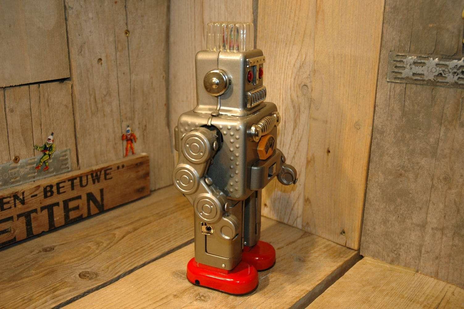 Yonezawa - Smoking Robot