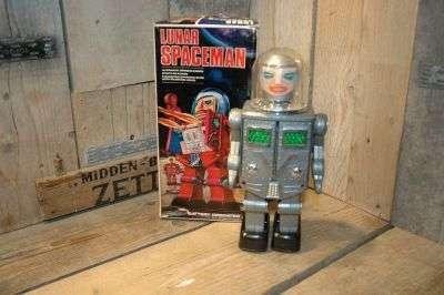 hong kong - lunar spaceman
