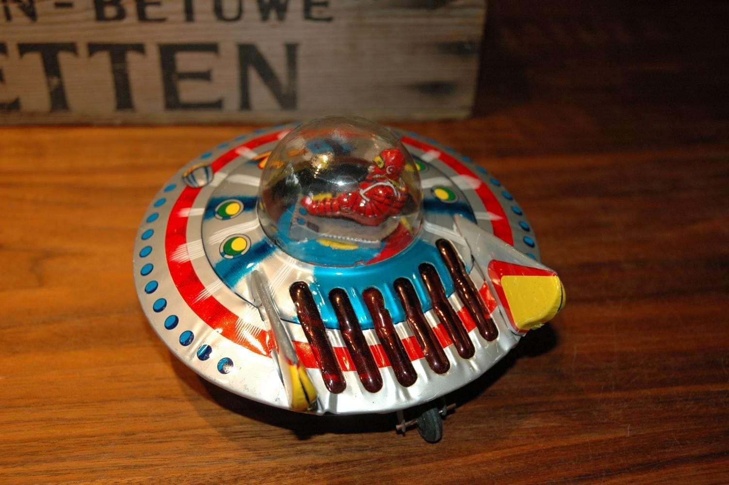 Nomura - Z-01 The Red Man Flying Saucer