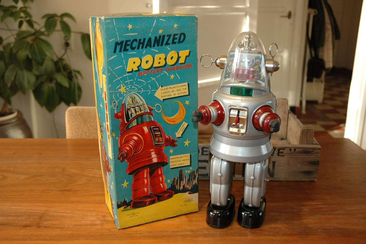 Nomura - Mechanized Robby Robot Grey Variation