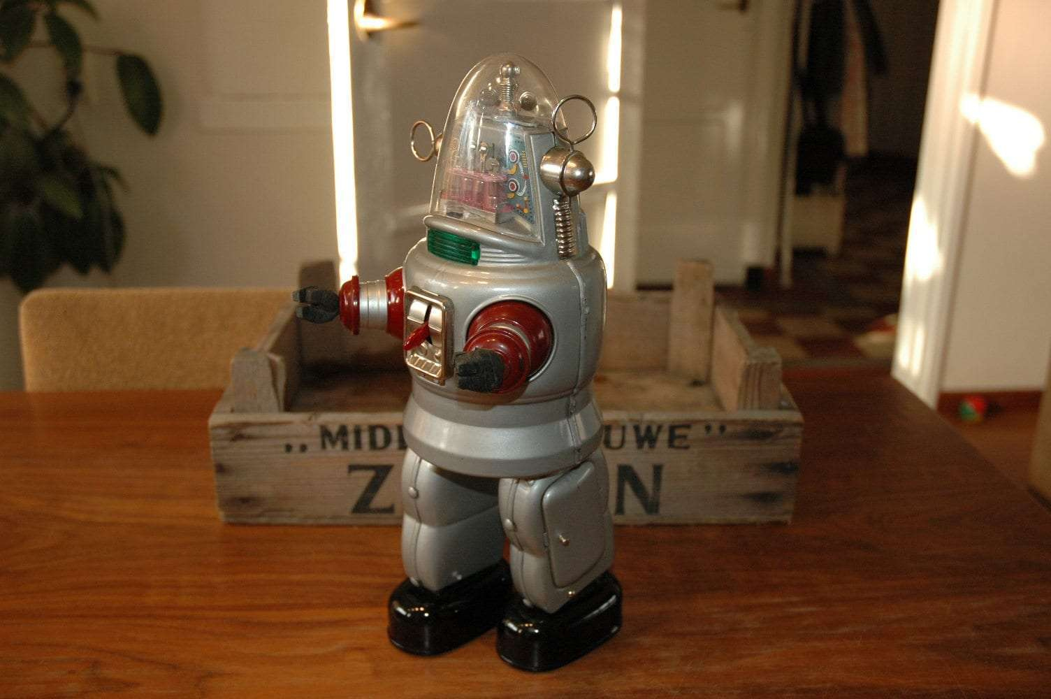 Nomura - Mechanized Robby Robot Grey Variation
