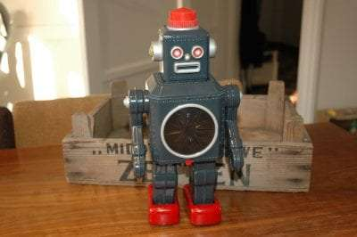 Modern Toys - Mighty 8 Robot