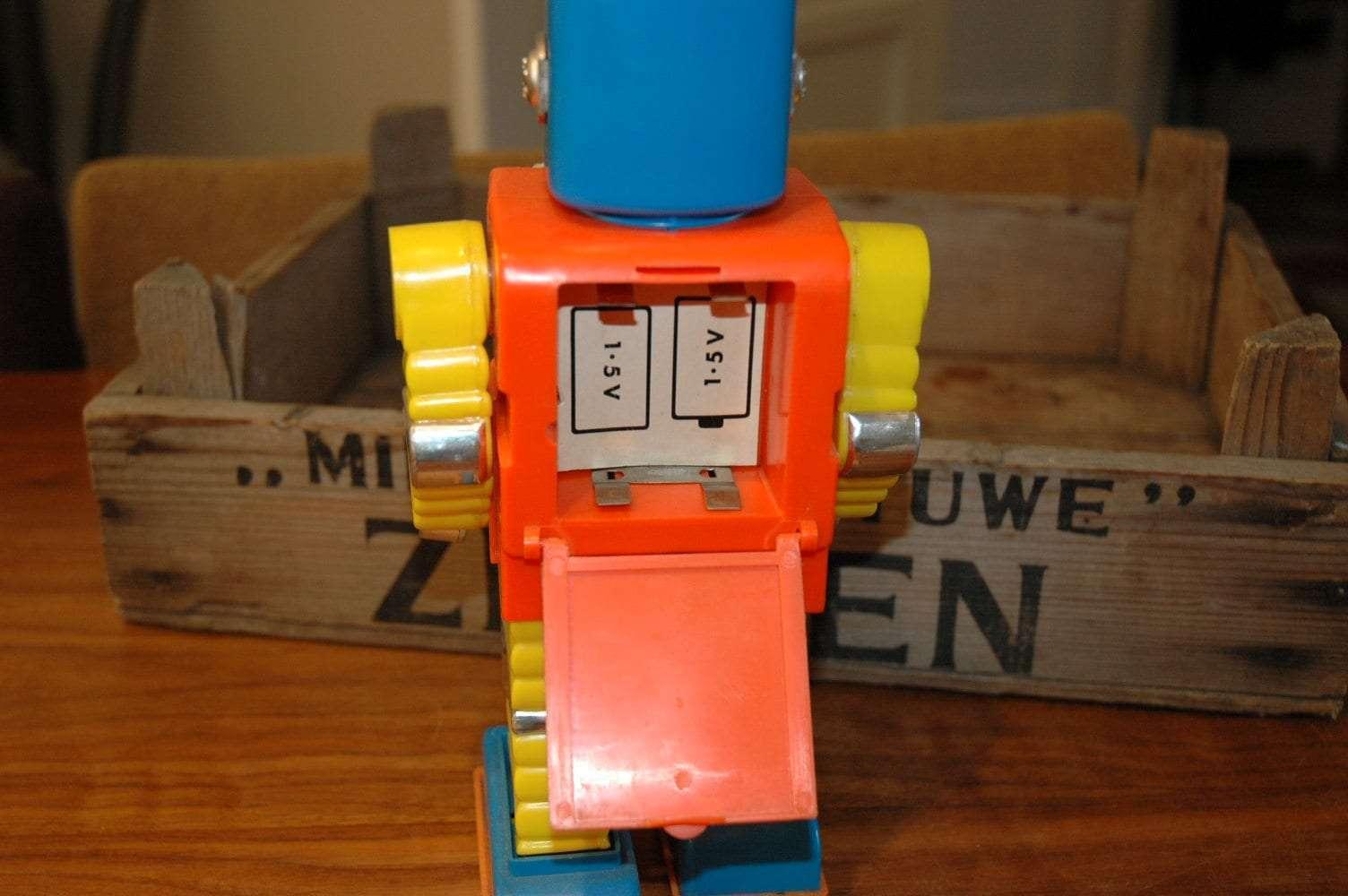 Hong Kong / Playart - Zot Robot
