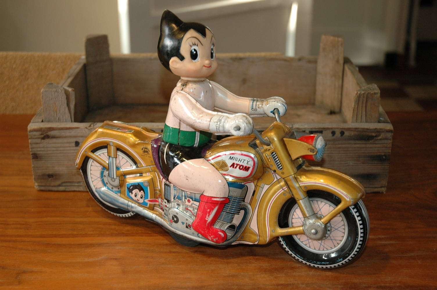 Asakusa - Atom Boy Motorcycle