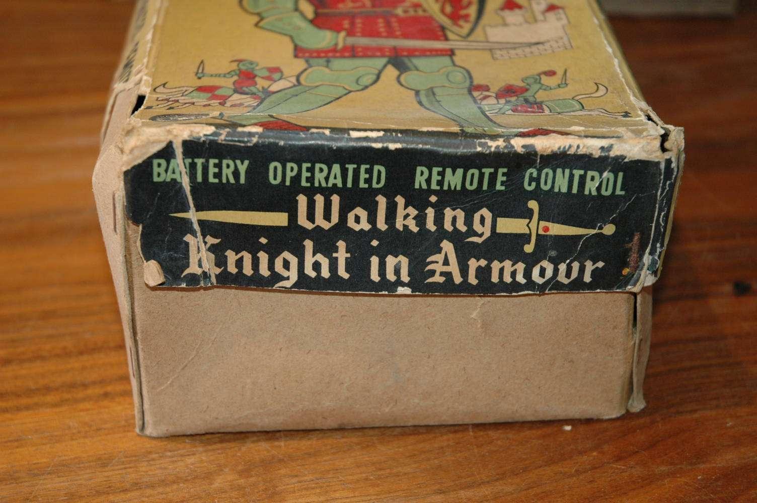 Modern Toys - Walking Knight in Armor