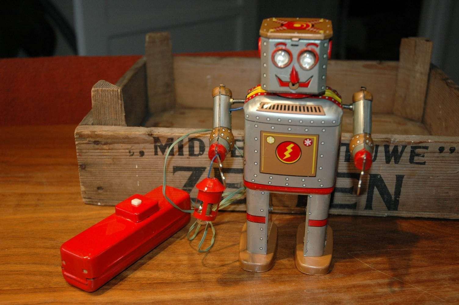 Linemar Toys - Golden Lantern Powder Robot