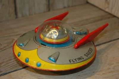 Modern Toys - X3000 Flying Saucer