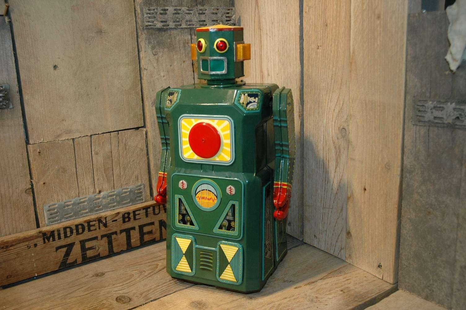 VST / Modern Toys - Shooting Giant Robot Prototype