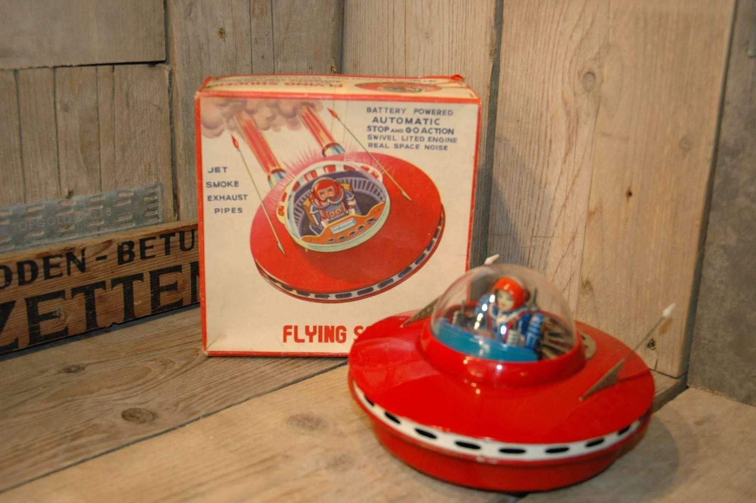 Yoshiya - Smoking Flying Saucer
