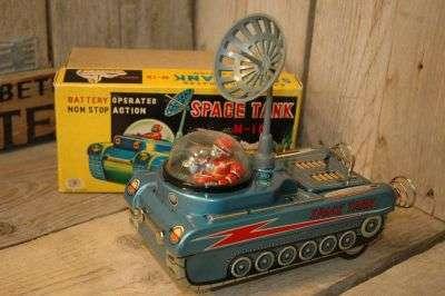 Modern Toys - Space Tank M-18