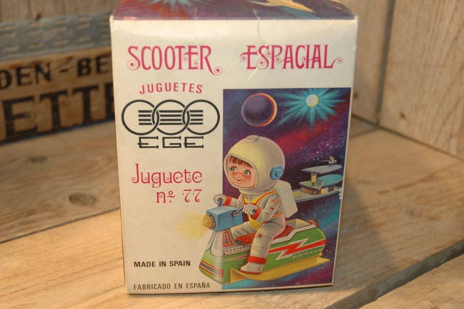 EGE - Scooter Espacial