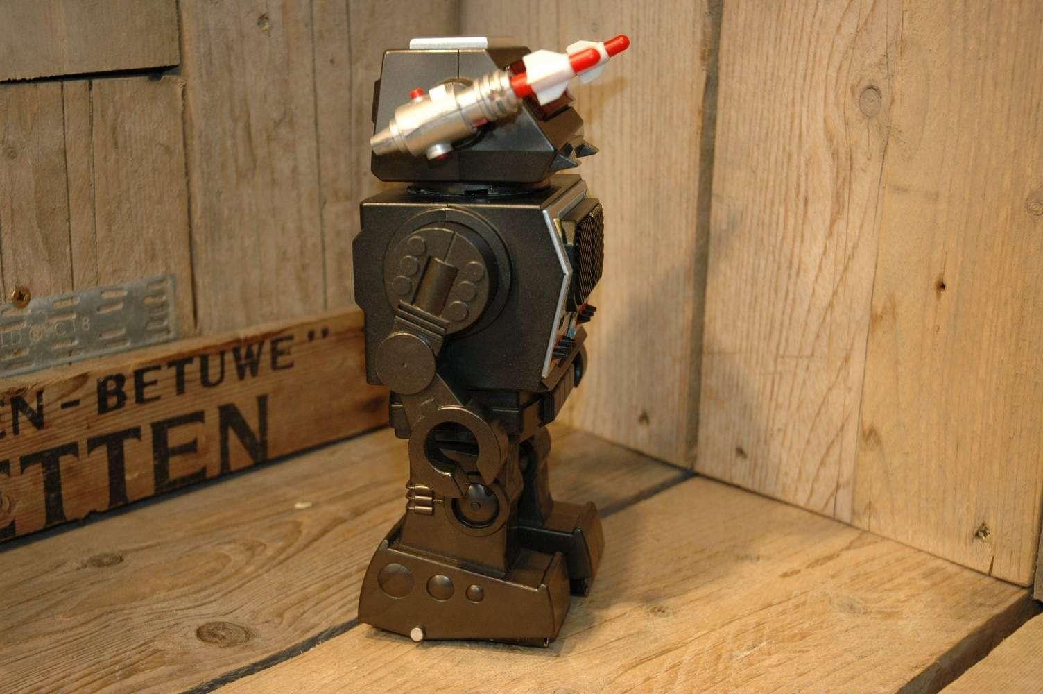 Uzawa - Screaming Battle Robot