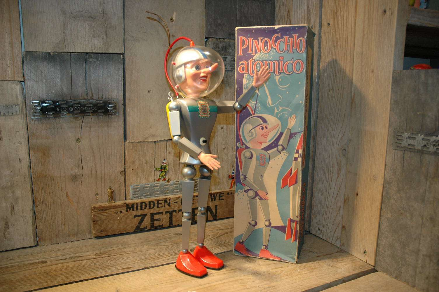 Italy Milano Vietata - Pinocchio Atomico by Dan Voidod