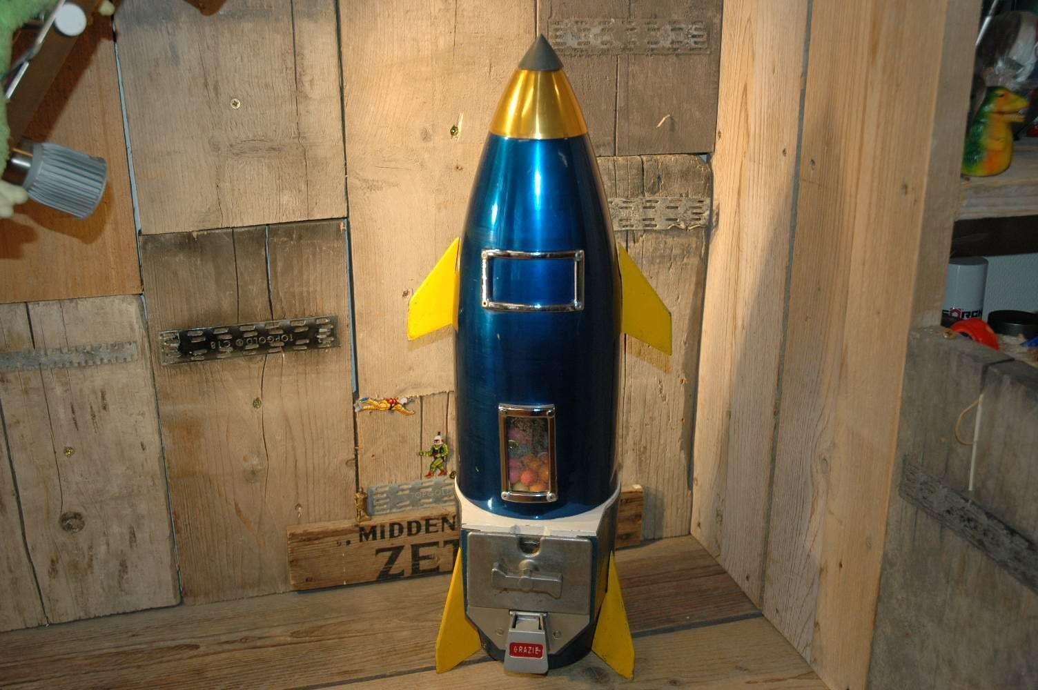 Italy - Rocket Gumball Machine