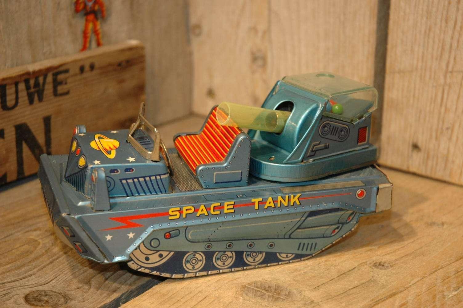 Kanto - Space Tank