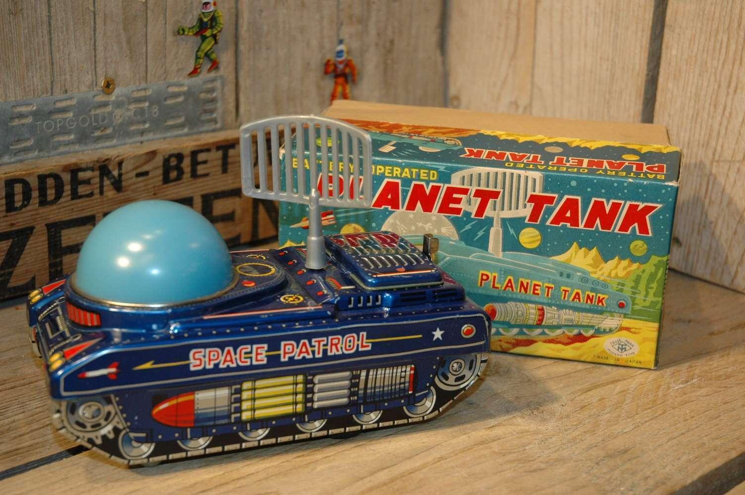 Modern Toys - Planet Tank