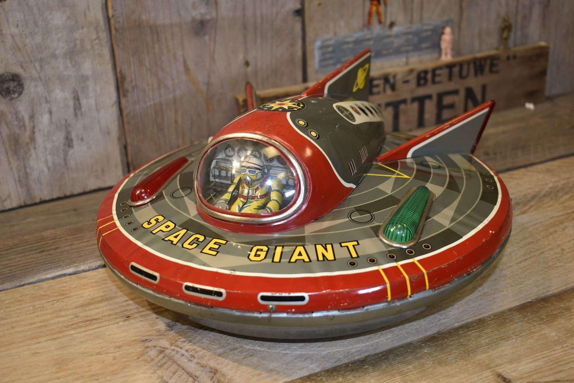 Modern Toys – Super Sonic Space Giant