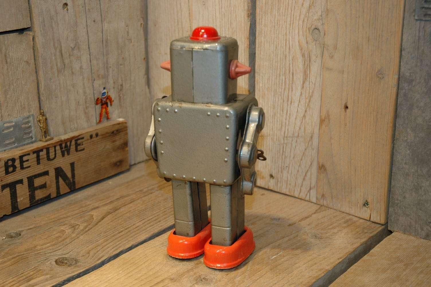 yonezawa - winky robot