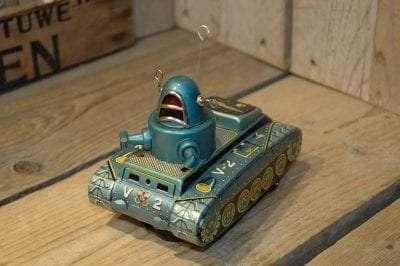 Yoshiya - Space Tank