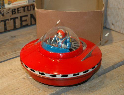 Yoshiya – Smoking Flying Saucer