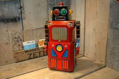 Modern Toys - Giant Sonic Train Robot