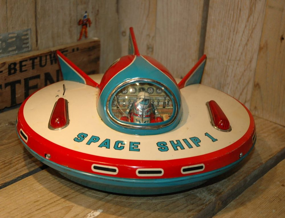 Modern Toys – Space Ship 1
