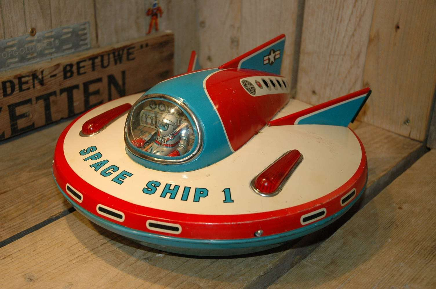 Modern Toys - Space Ship 1
