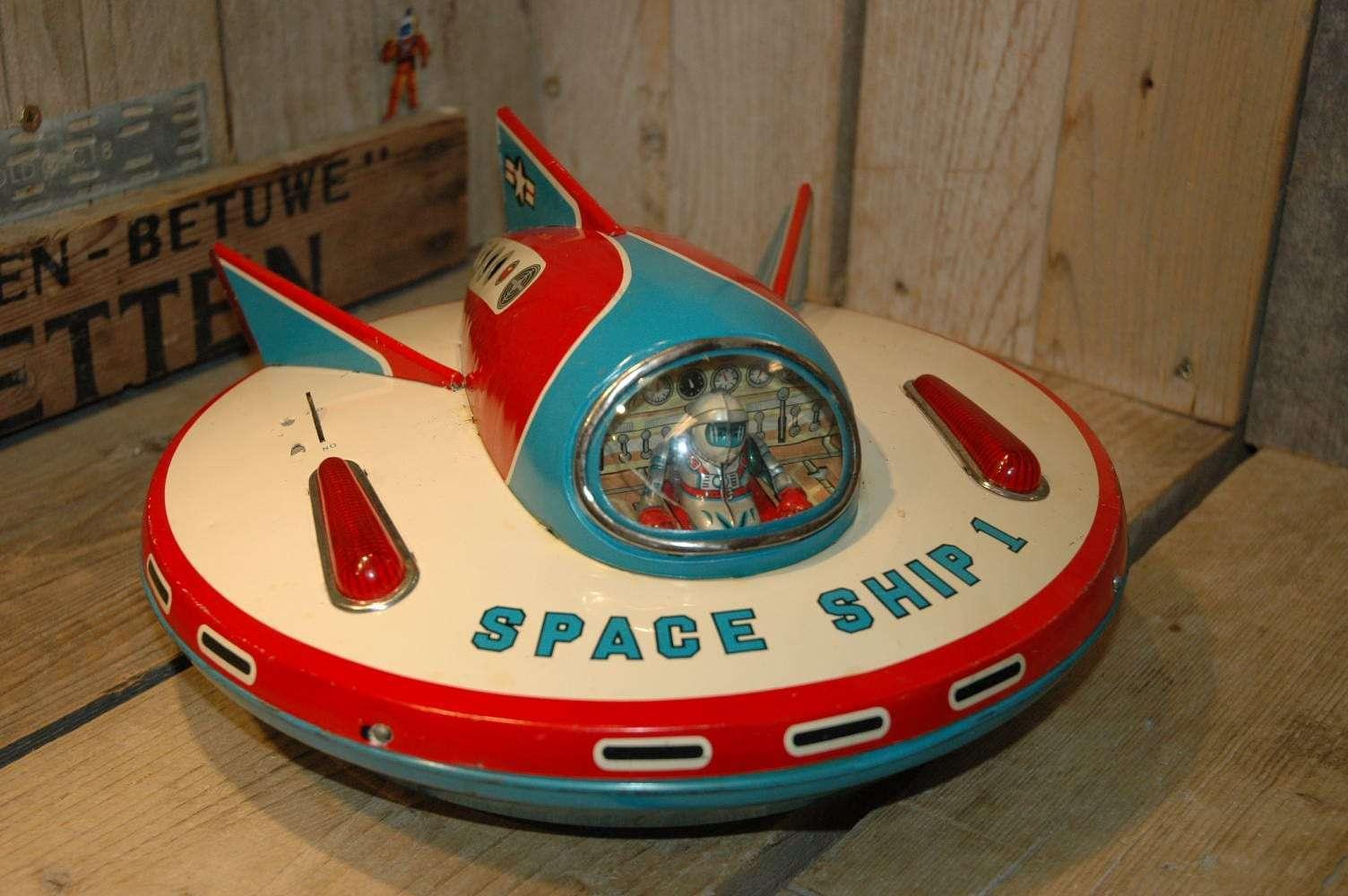 Modern Toys - Space Ship 1