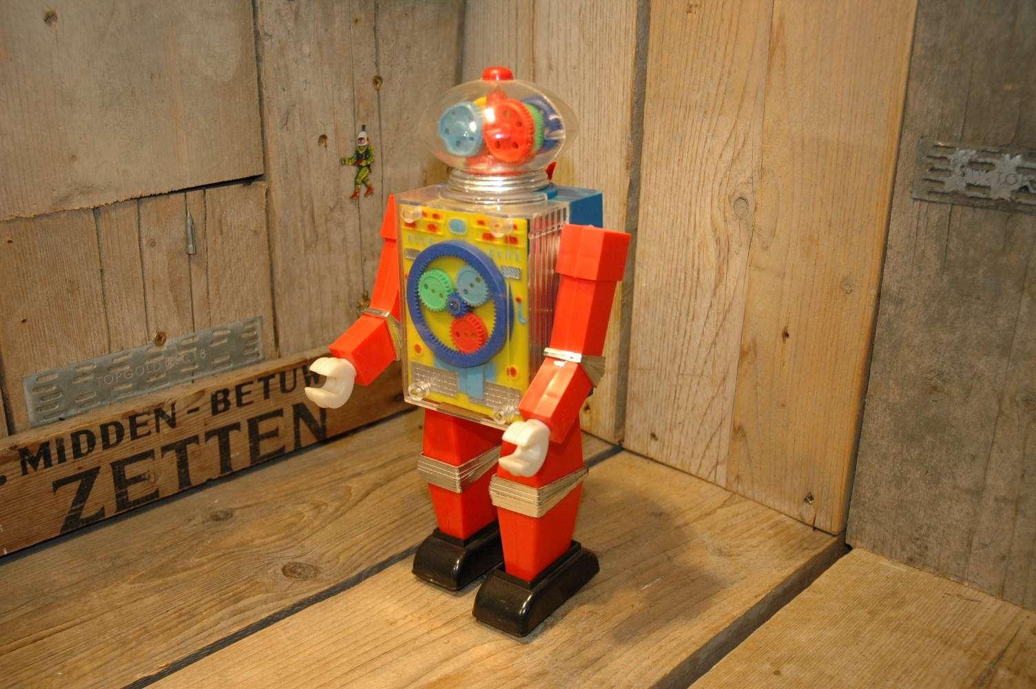 Hong Kong - See Thru Robot