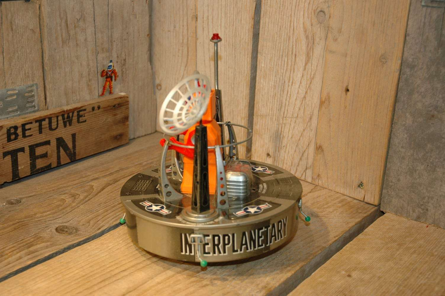 VST / Linemar - Interplanetary Space Platform with Realistic Robot