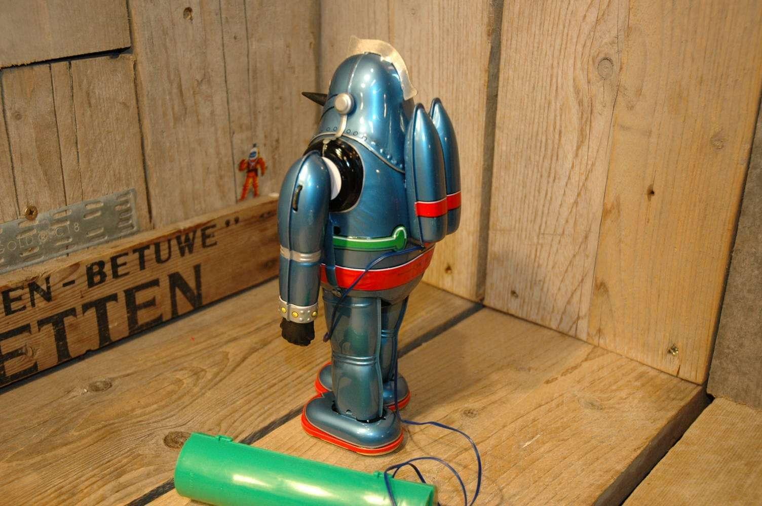 Osaka Tin Toy Institute – Gigantor no.5 Tetsujin 28 Robot Light Blue Variation.