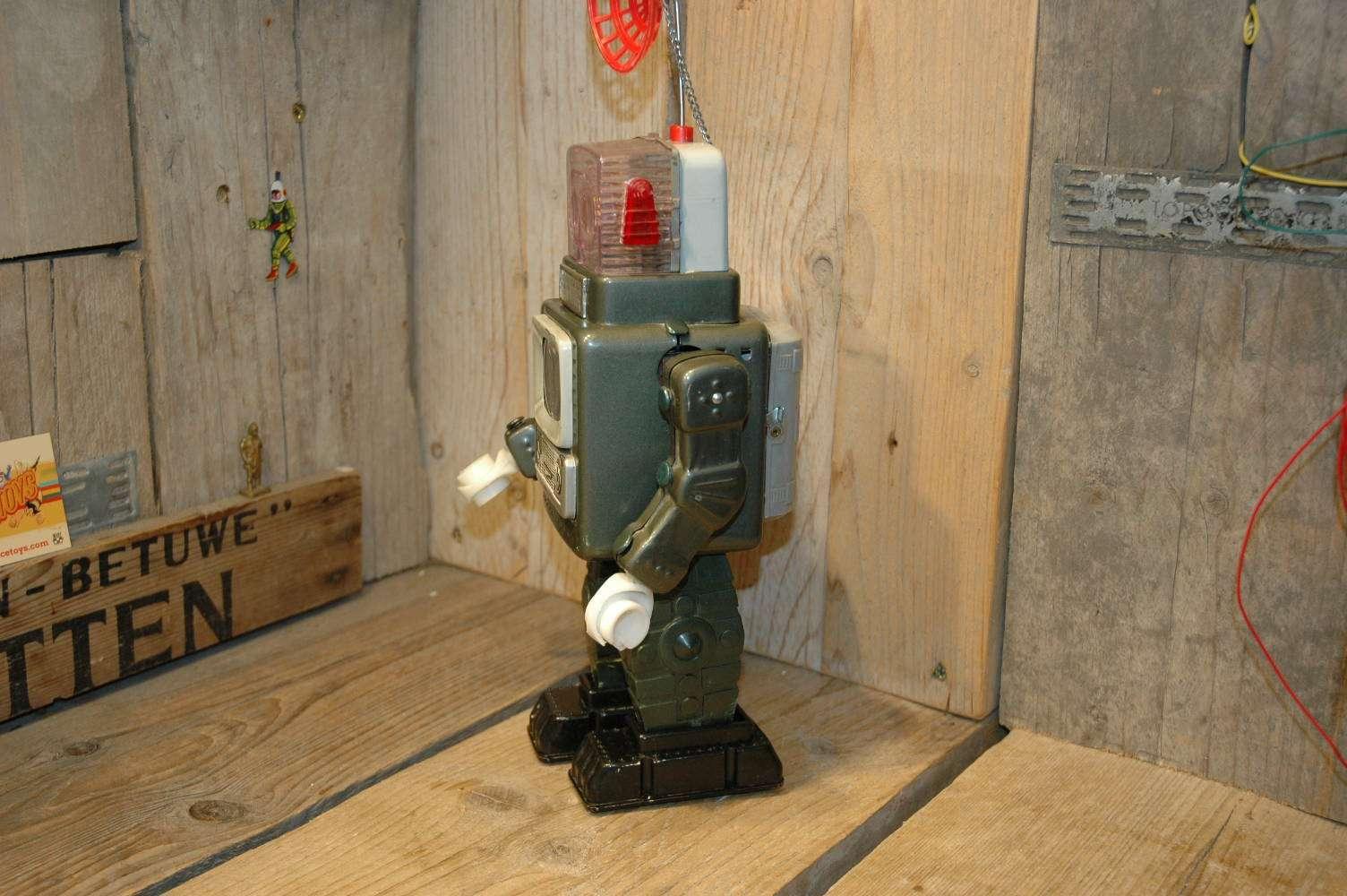 Alps-television spaceman robot