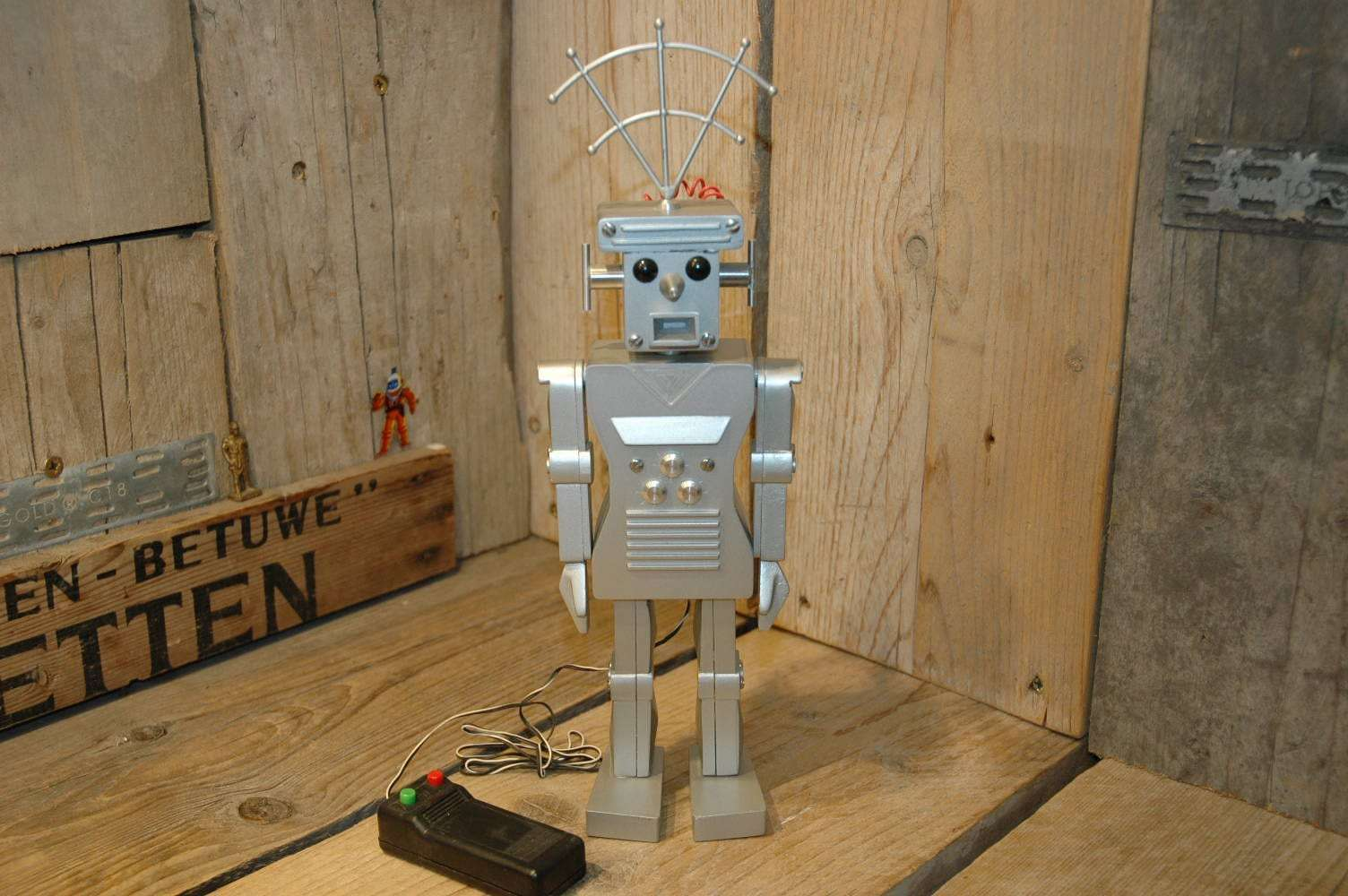 Grandpa Robot Works - Roboter 700 Serial 6 / 10