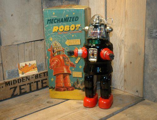 Nomura – Mechanized Robby Robot