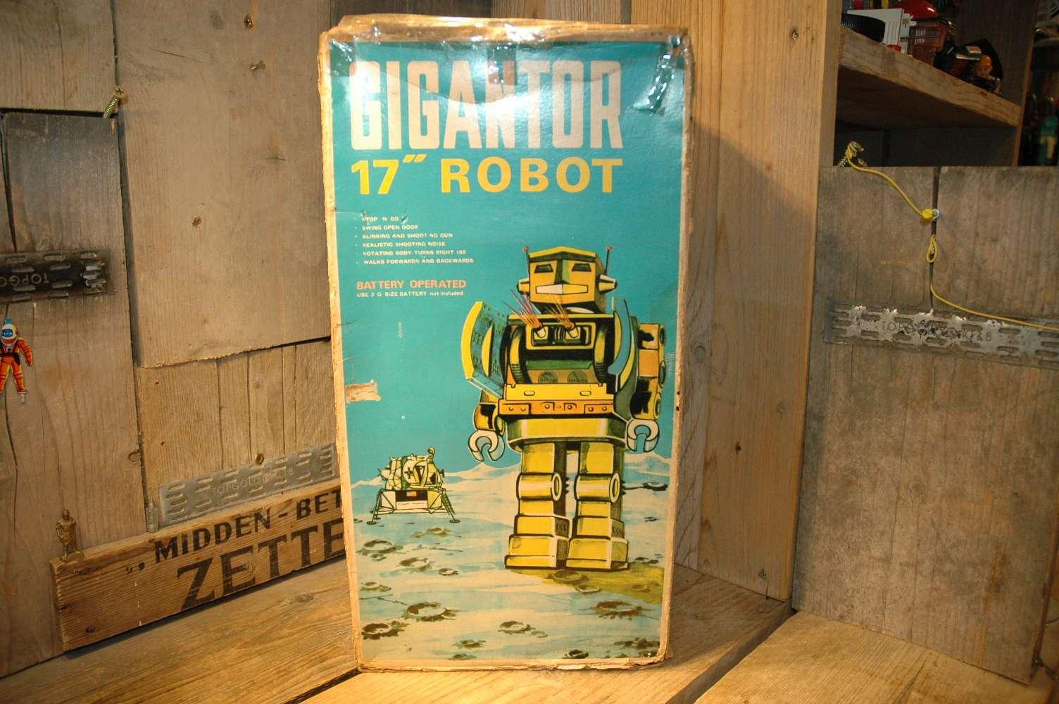 Mego Hong Kong – Gigantor 17″ Robot.