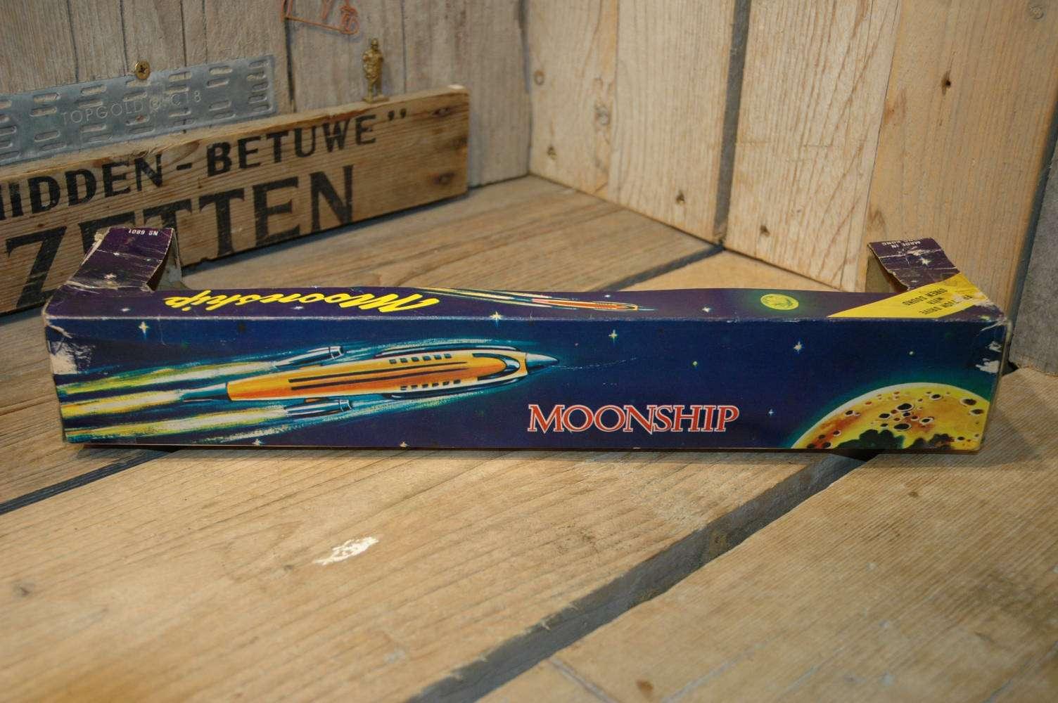 Hong Kong - Moonship