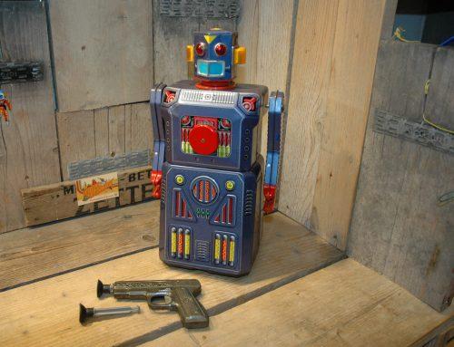 Modern Toys – Target Robot