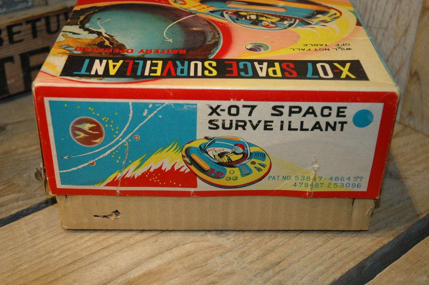 Modern Toys - X-07 Space Surveillant