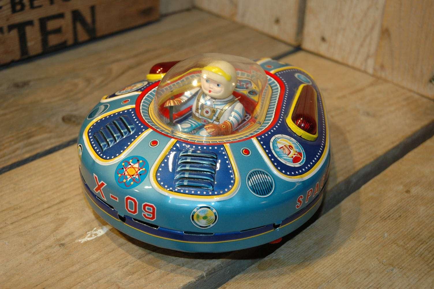 Modern Toys - Space Survey X-09